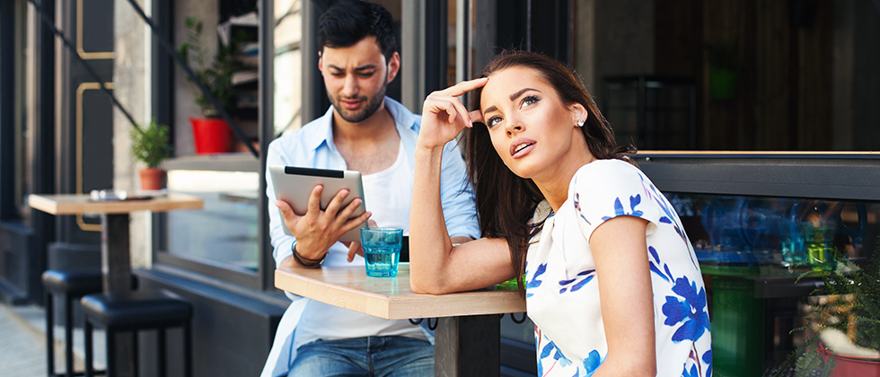 Learn more abote 10 golden rules for avoiding first date disaster.